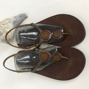 Clark Brown leather thong sandals Sz 9
